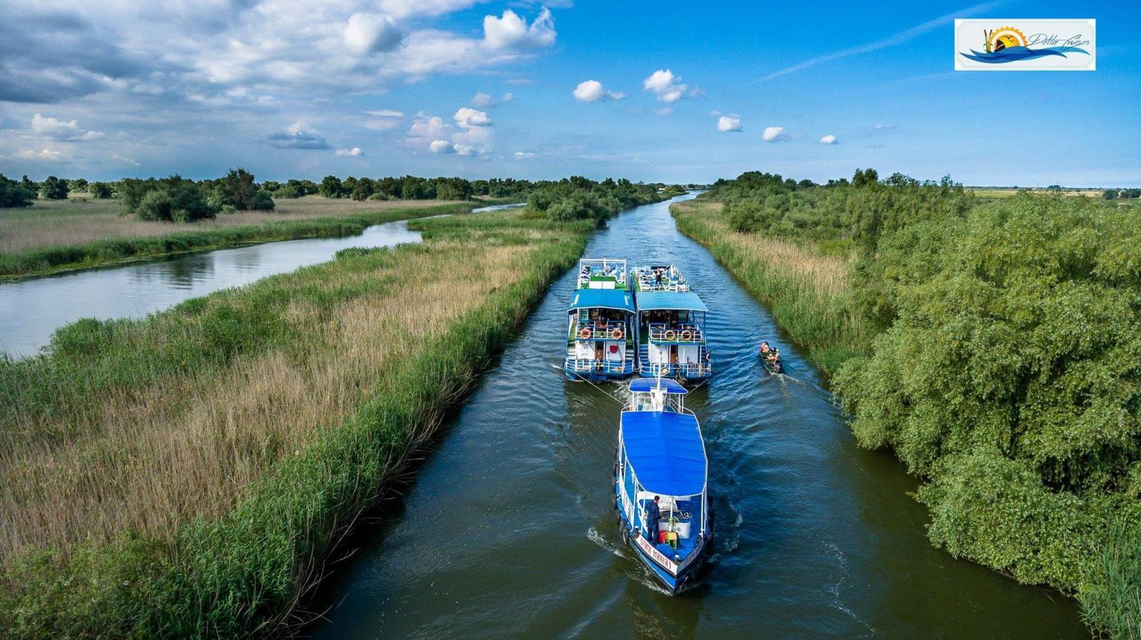 pachet turistic de paste pe hotel plutitor in delta dunarii