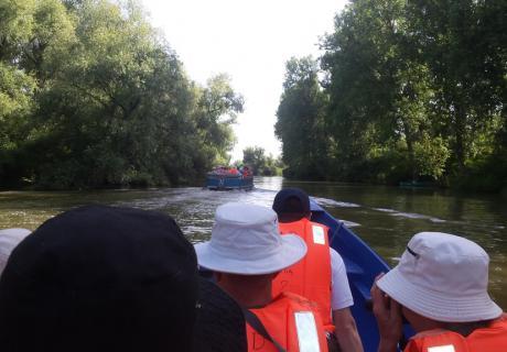 vacanta in barca cu motor