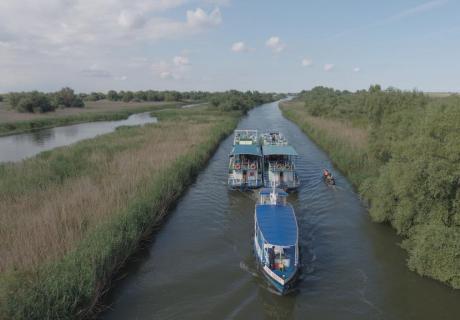 hotel plutitor in tururi prin delta dunarii