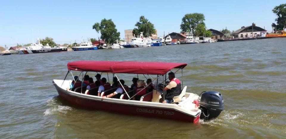 excursii de o zi cu barca la letea