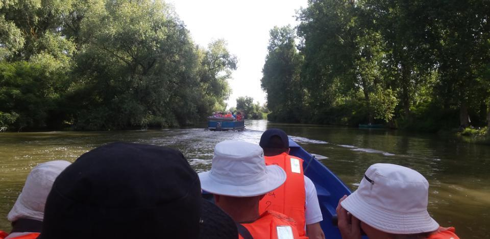 excursii vacanta in barca cu motor