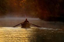 Plimbare cu barca cu vâsle